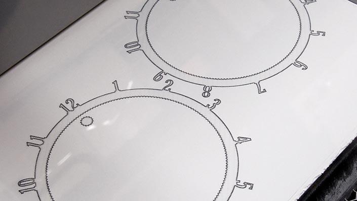 Une impression sur un feuille blanche ? En fait, les objet de cet exemple mesurent 1 cm d'épaisseur… et sont noyés dans la poudre qui leur sert de support.