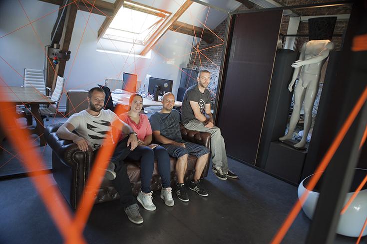 C'est de la rencontre des talents que naissent les idées. De gauche à droite: Denis Van Isschot, Jess, Thomas Riguelle, Christophe Thiry.